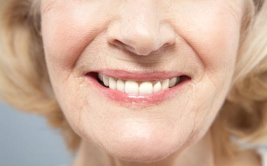 răng sứ giả bền đẹp